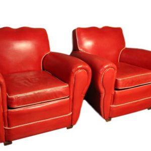 Paire de fauteuils club en cuir rougeforme moustache Club R clipped rev