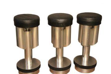 Tabourets de bar en aluminium et acier brossé_clipped_rev_2