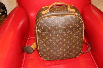 Sac à dos Louis Vuitton porté croisé