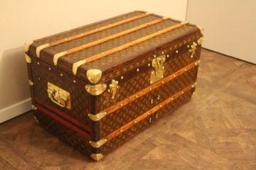Petite malle Louis Vuitton courrier
