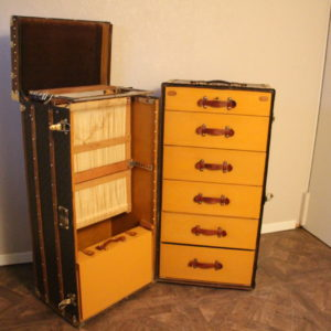 Grande malle Louis Vuitton wardrobe - Malle Louis Vuitton armoire
